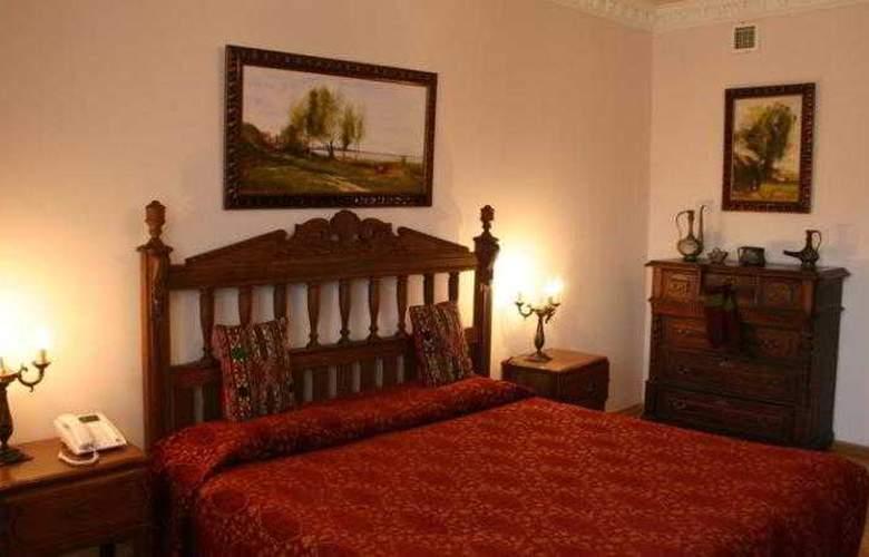 Caspian Palace - Room - 5