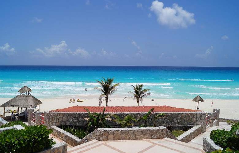 Solymar Beach Resort - Terrace - 33