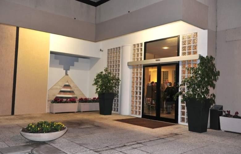 Zenit Hotel Salento - Hotel - 8