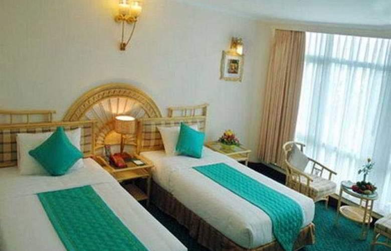 Green Hotel Hue - Room - 6