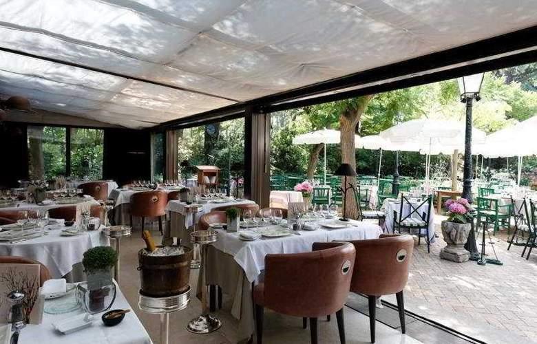 Relais and Chateaux Cazaudehore - Restaurant - 11