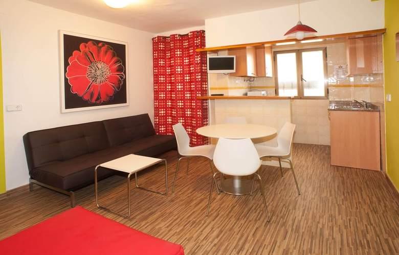 Poniente Playa - Room - 9