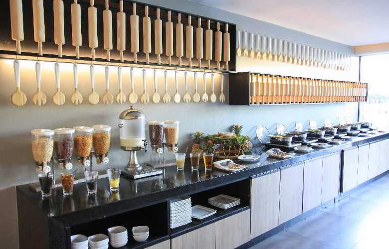 Sugar Palm Karon Resort - Restaurant - 26