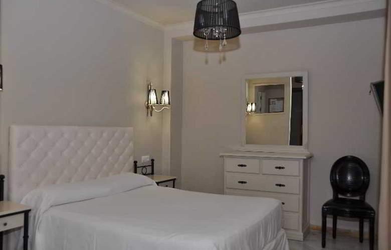 Doña Carmela Sercotel - Room - 19