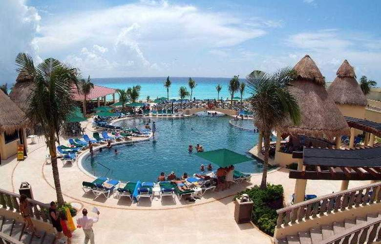 GR Solaris Cancun All Inclusive - Pool - 21
