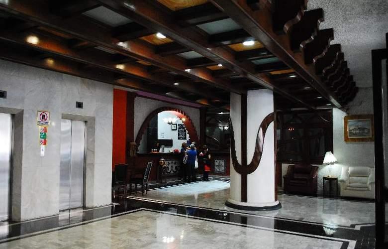 Aristos Puebla - Hotel - 12