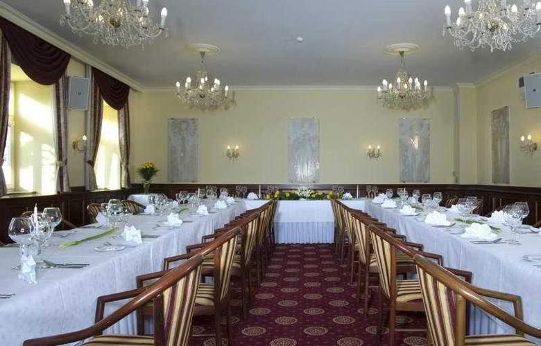 Grand Hotel Zvon - Conference - 10