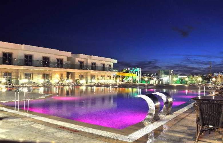 Jasmin Beach Apart - Pool - 5