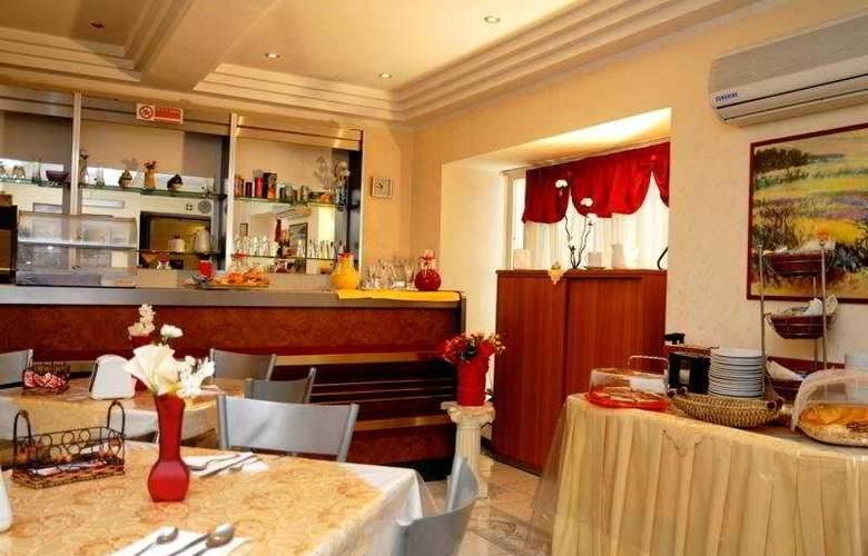De La Ville - Restaurant - 2