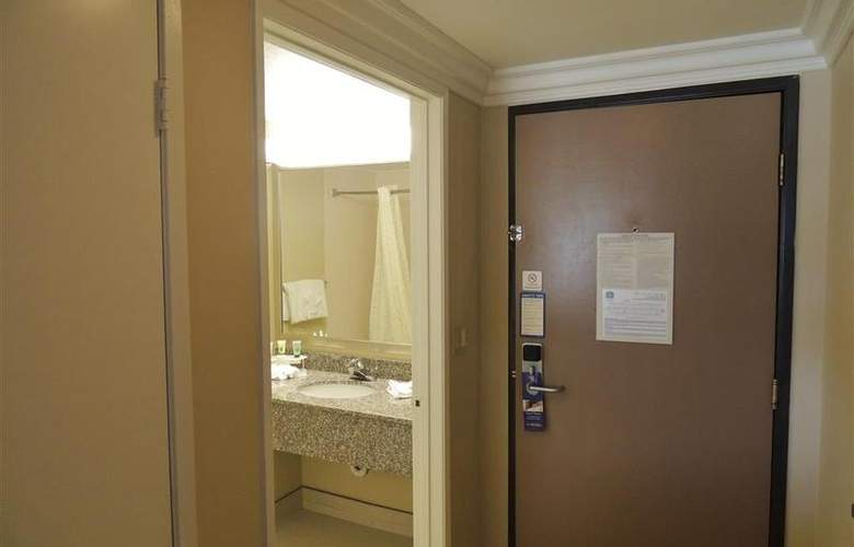 Best Western Plus Anaheim Orange County - Room - 49