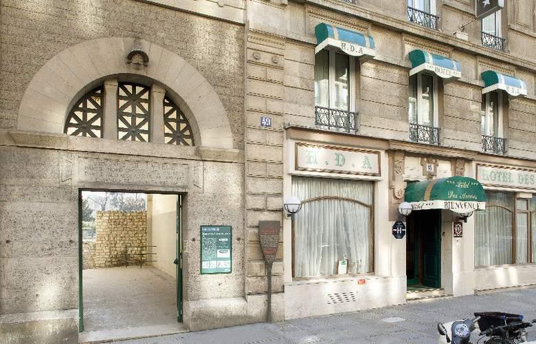 Des Arenes - Hotel - 0