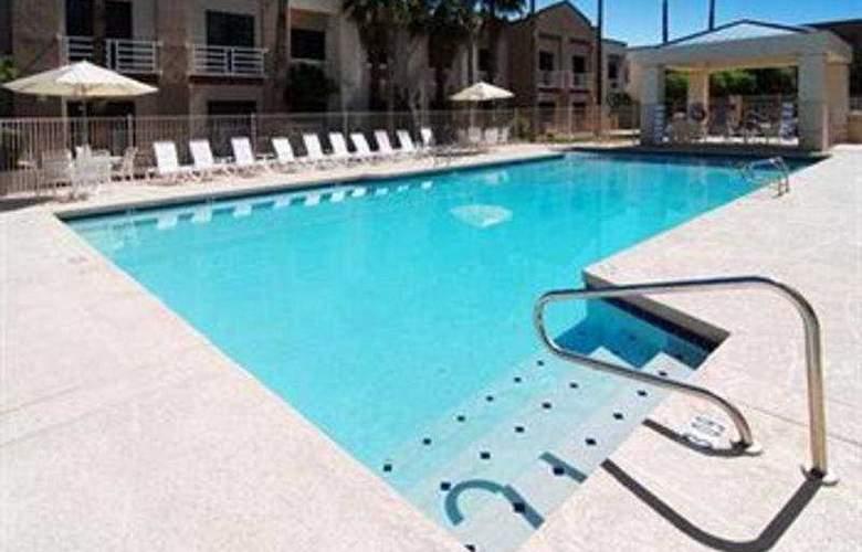 Comfort Inn Phoenix - Pool - 3
