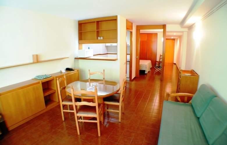 Cosmos Aparthotel - Room - 2
