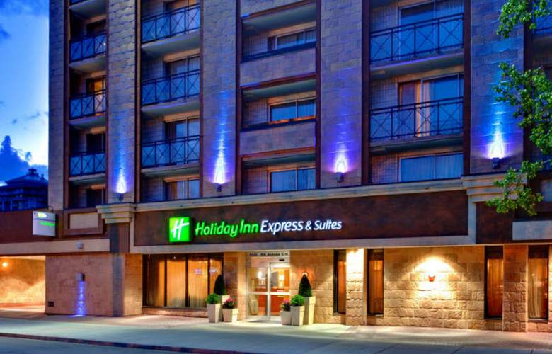 Holiday Inn Express Hotel & Suites Calgary - Hotel - 0