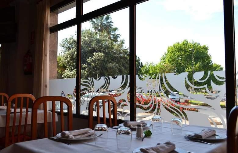 Gran Hotel Toledo - Restaurant - 9