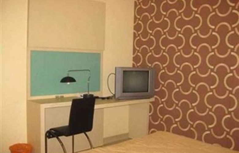 Rota Hotel - Room - 2