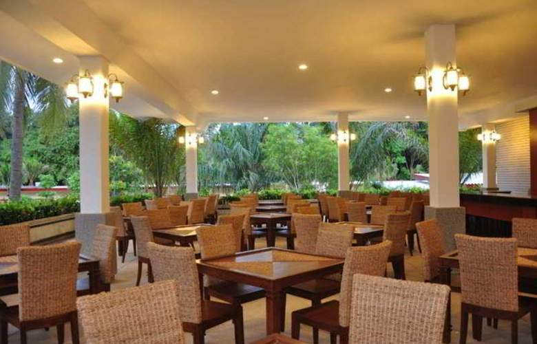 Phuket Sea Resort (formely Maalai Resort) - Restaurant - 9