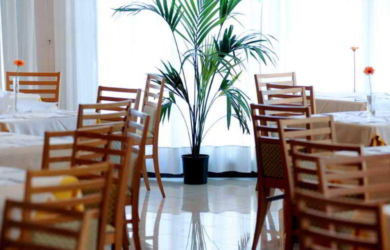 Meditur Hotel Pomezia - Restaurant - 6