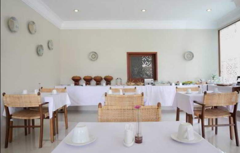 Seminyak Lagoon All Suites Hotel - Restaurant - 10