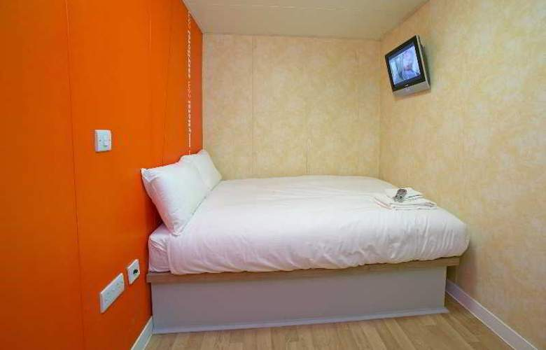 Easyhotel London Luton - Room - 0
