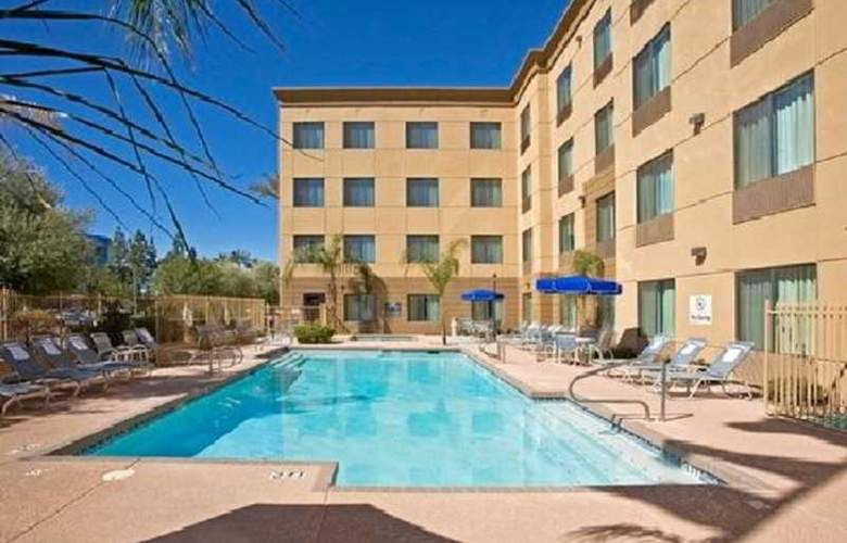 Hampton Inn Phoenix-Airport North - Pool - 5