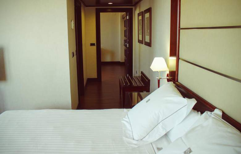 Sevilla Center - Room - 14