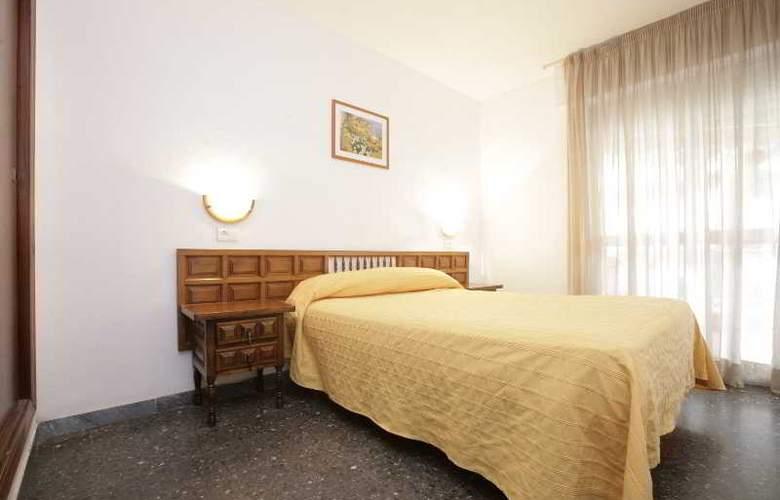 Apartamentos Marina - Room - 2
