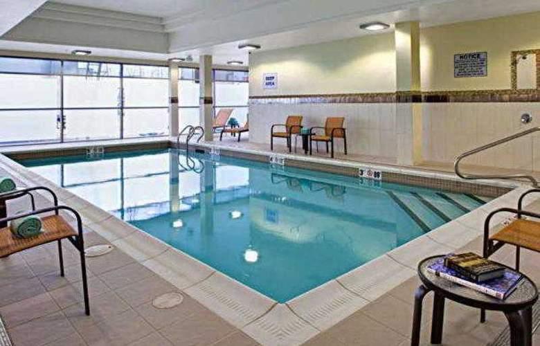 Courtyard London - Hotel - 5