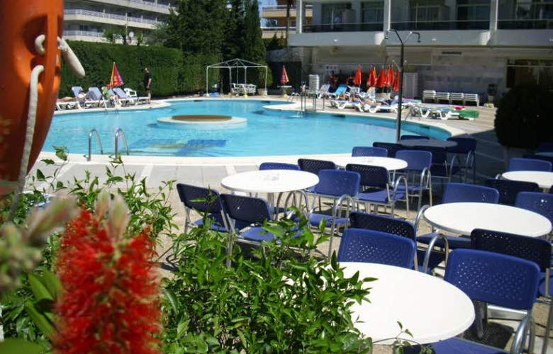 Olympus Palace - Pool - 17