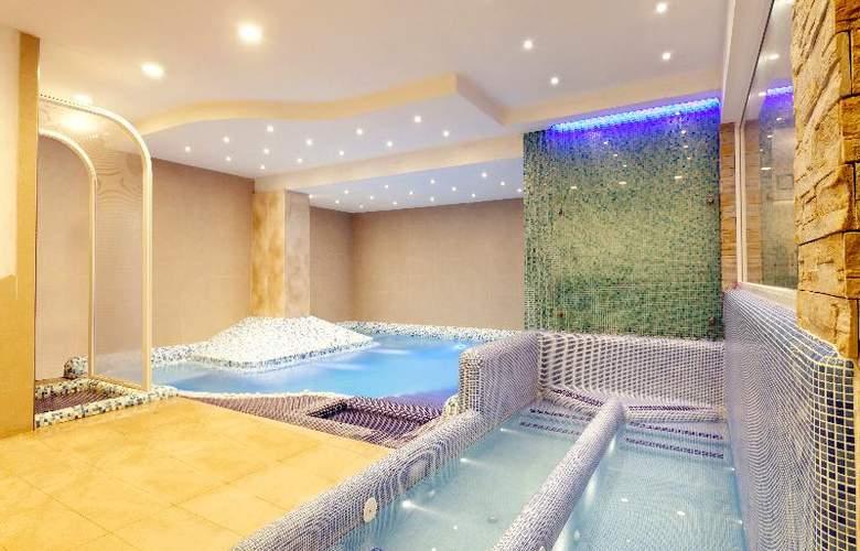 Terme San Valentino - Pool - 16