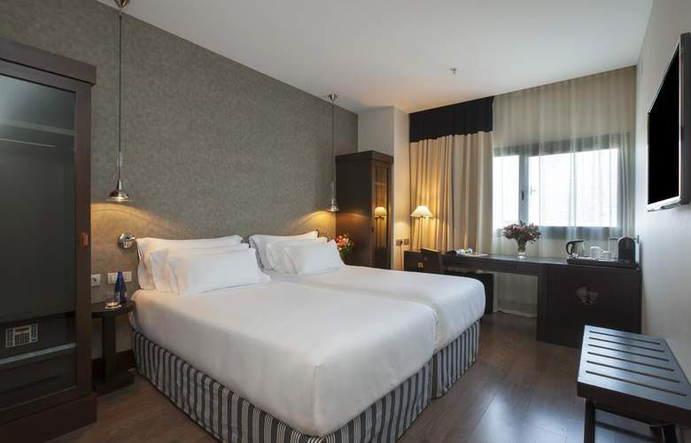 NH Collection Sevilla - Room - 11