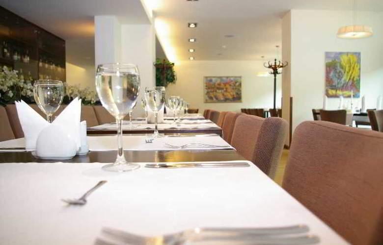 Panorama Hotel - Restaurant - 21