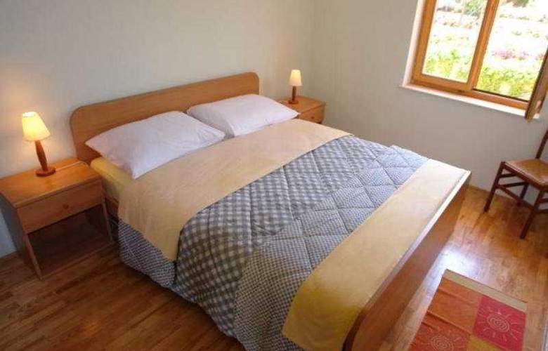 Santic - Room - 7