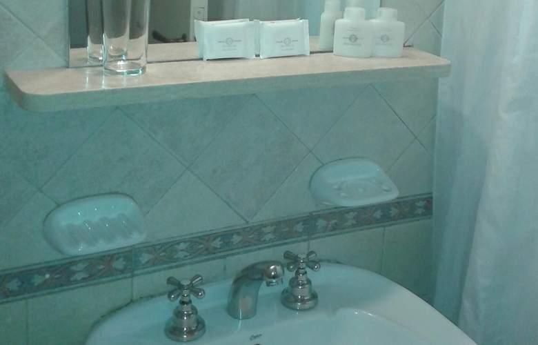 Gran Hotel Orly - Room - 17