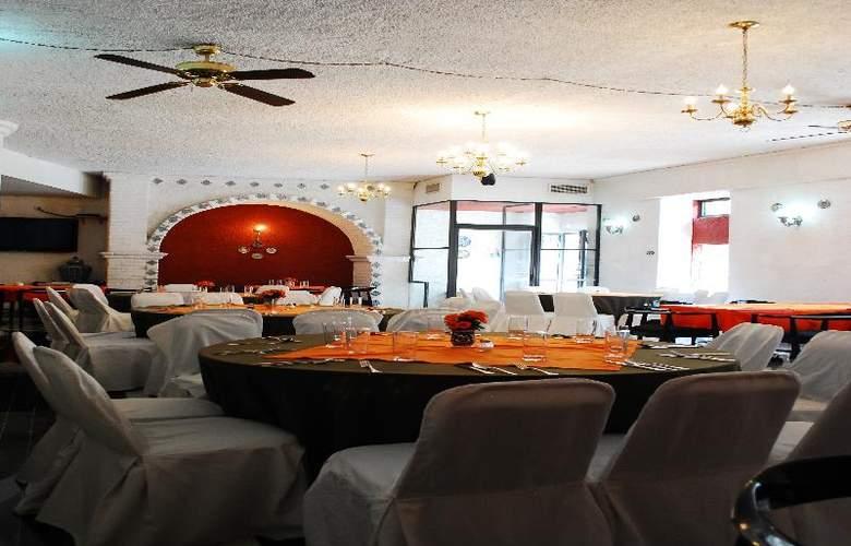 Aristos Puebla - Restaurant - 43