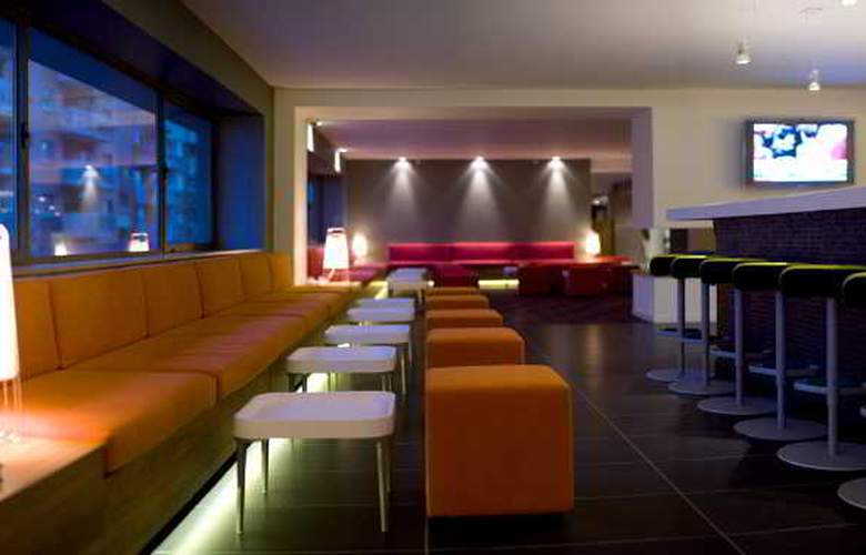 Expo Hotel  Barcelona - Bar - 21