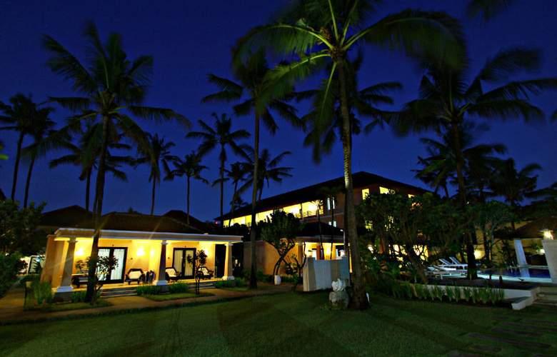 Legong Keraton Beach - Hotel - 7