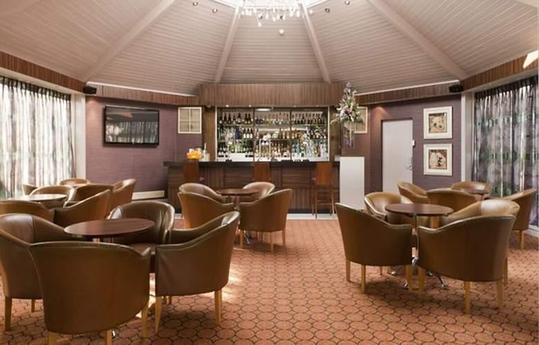 Ramada Hotel Dover - Bar - 1