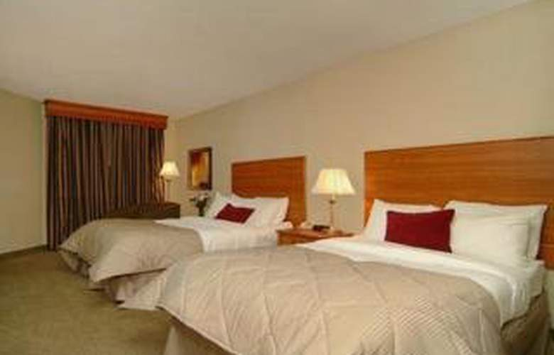Clarion Hotel & Conference Center - Room - 3