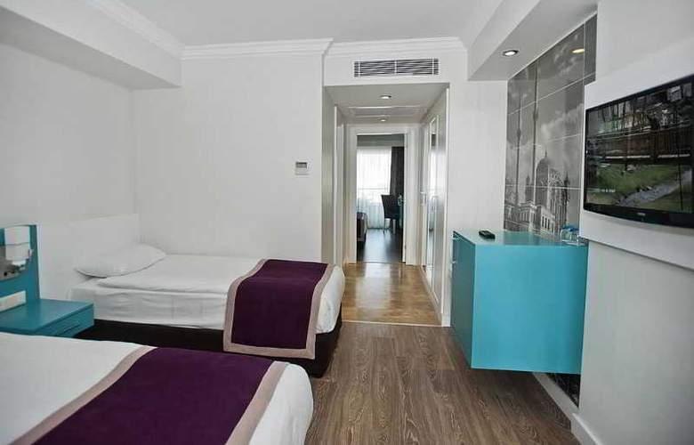 Crystal Waterworld Resort Spa - Room - 19