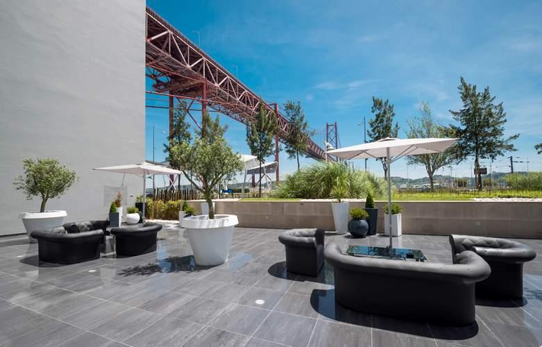 Vila Gale Opera - Terrace - 7