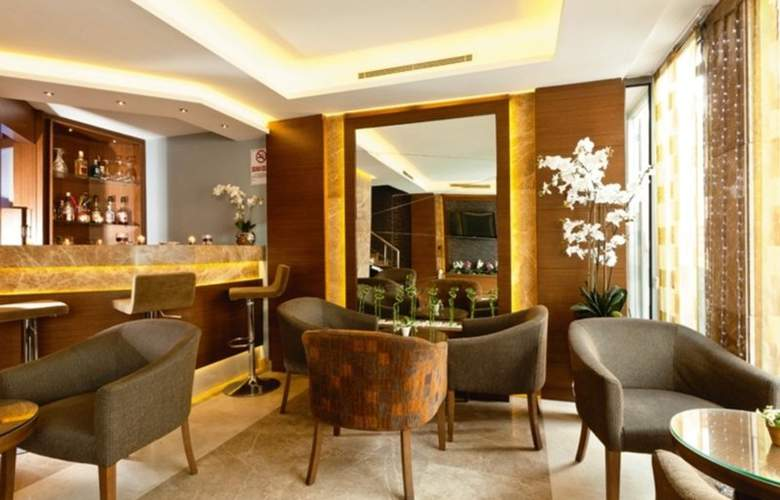 Emerald Hotel - Bar - 1