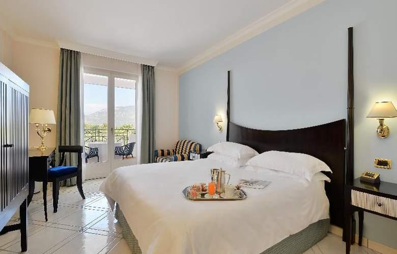 Savoy Beach - Room - 11