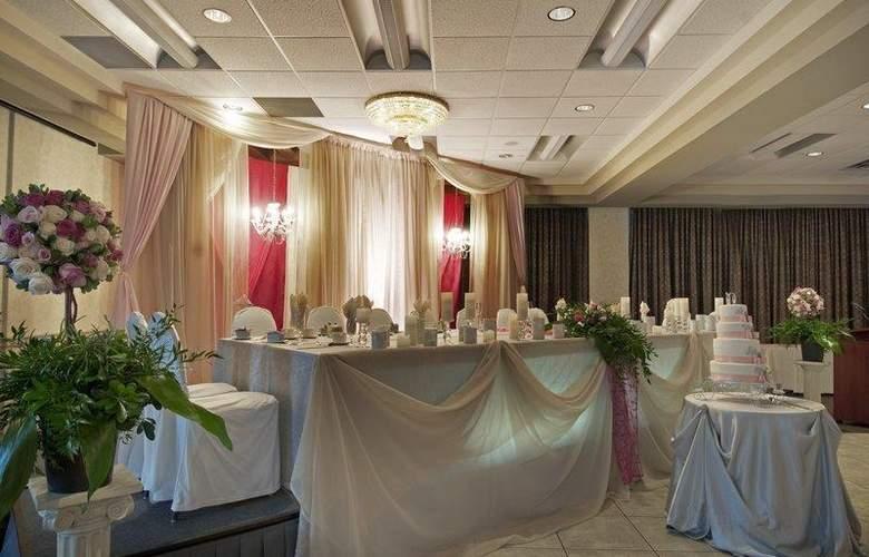 Best Western Brant Park Inn & Conference Centre - Restaurant - 114