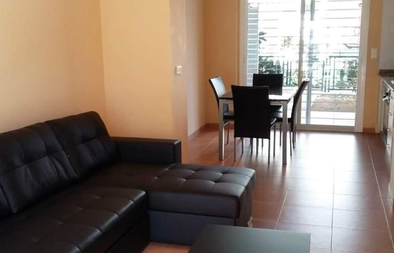 Villas de Oropesa 3000 - Room - 4