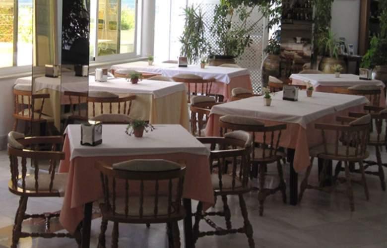 Del Mar Hotel & Spa - Restaurant - 2