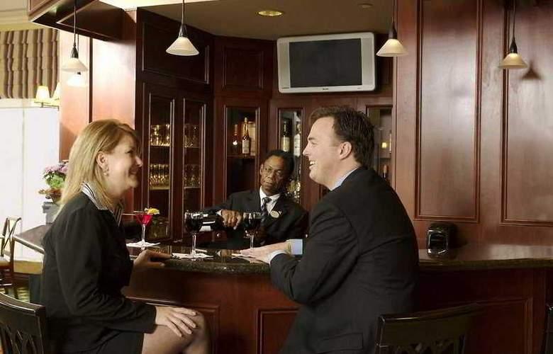 Hilton Garden Inn Toronto Oakville - Bar - 7