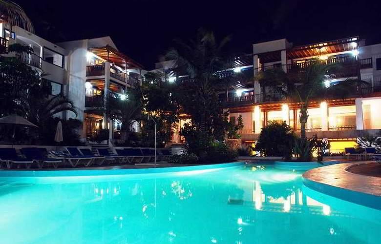 Mansion Nazaret - Pool - 11