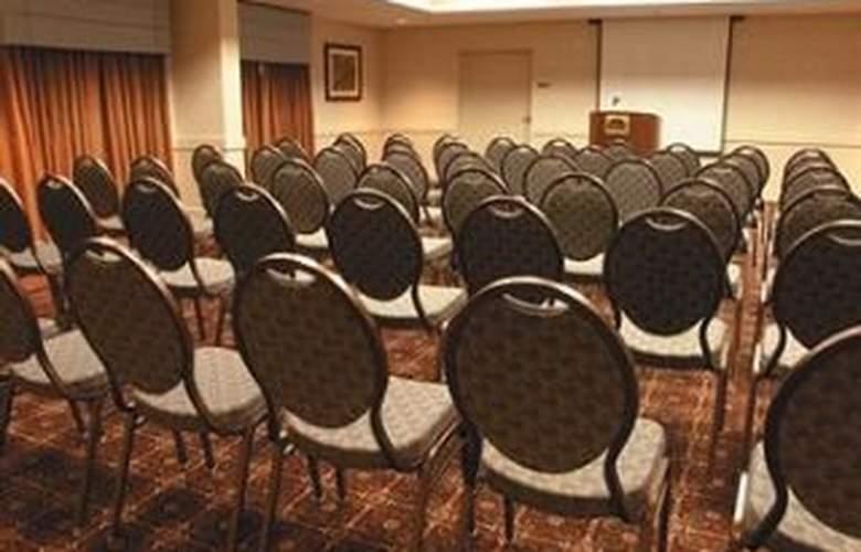 La Quinta Inn & Suites San Antonio Convention Cntr - Conference - 9