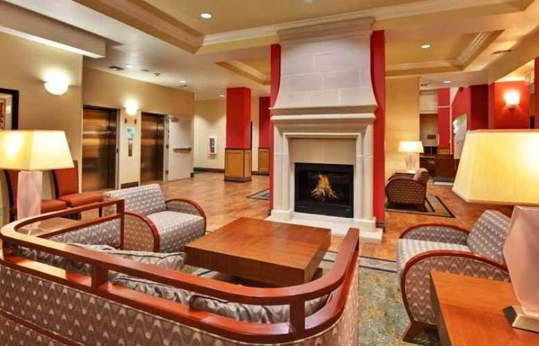 Holiday Inn & Suites Bakersfield - General - 5